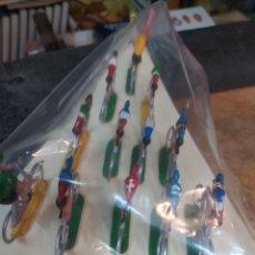 Figuras de Goma y PVC: VUELTA CICLISTA PELOTON 12 CICLISTAS MARIANO SOTORRES. Lote 267712319