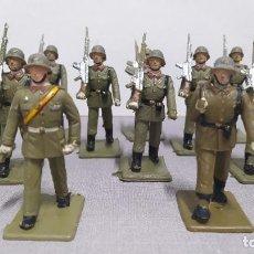 Figuras de Goma y PVC: DESFILE DE 12 SOLDADOS ESPAÑOLES REAMSA. BUEN ESTADO. Lote 251804355