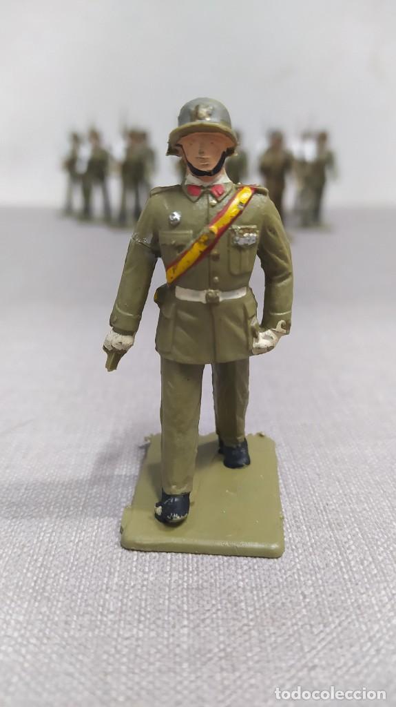 Figuras de Goma y PVC: Desfile de 12 soldados españoles Reamsa. Buen Estado - Foto 2 - 251804355