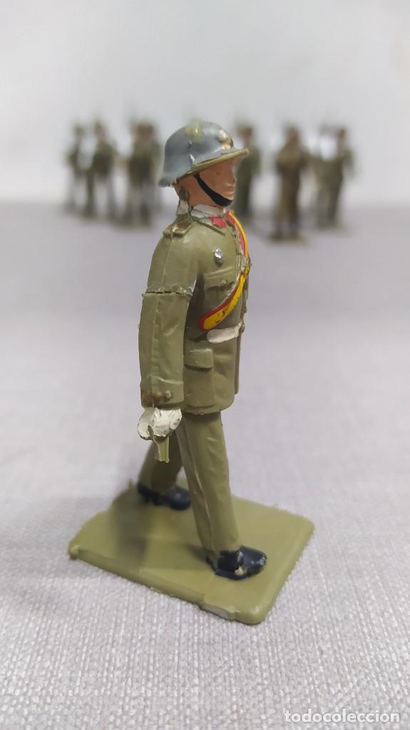 Figuras de Goma y PVC: Desfile de 12 soldados españoles Reamsa. Buen Estado - Foto 3 - 251804355