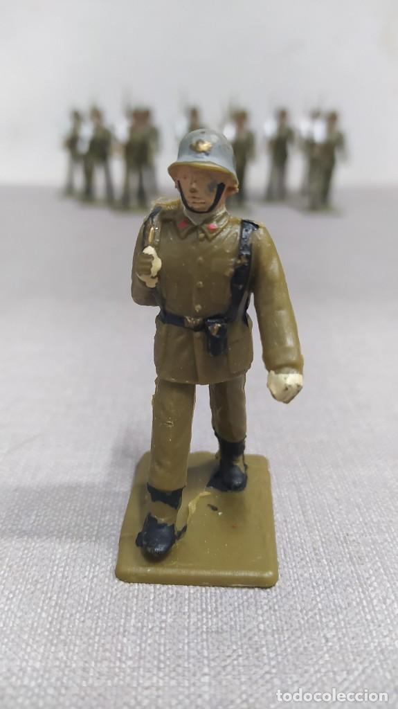 Figuras de Goma y PVC: Desfile de 12 soldados españoles Reamsa. Buen Estado - Foto 4 - 251804355