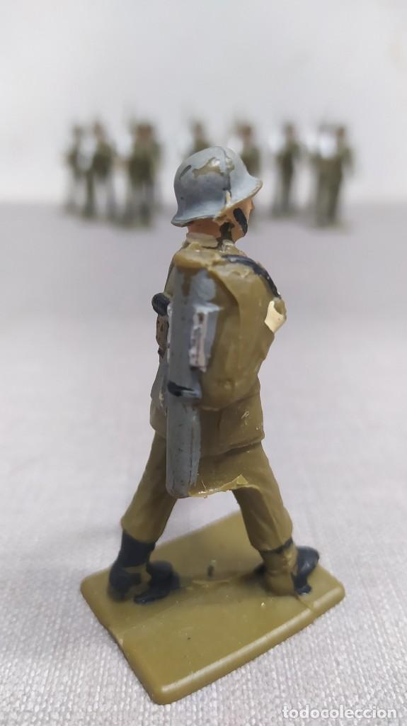 Figuras de Goma y PVC: Desfile de 12 soldados españoles Reamsa. Buen Estado - Foto 5 - 251804355