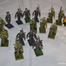 Figuras de Goma y PVC: LOTE CUERPOS/ARMAS SOLDADOS ESPAÑOLES / ANTIGUOS - PLÁSTICO / PVC - REAMSA / GOMARSA ¡MIRA! LOTE 07. Lote 251900425