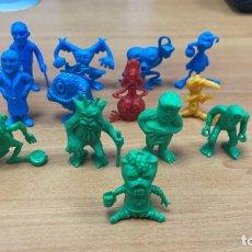 Figuras de Goma y PVC: 13 FIGURAS MONSTRUOSCOPIA AÑOS 80. DUNKIN ESPAÑOLAS MONSTRUOS MATUTANO VERDE Y AZUL ORIGINALES. Lote 237831560