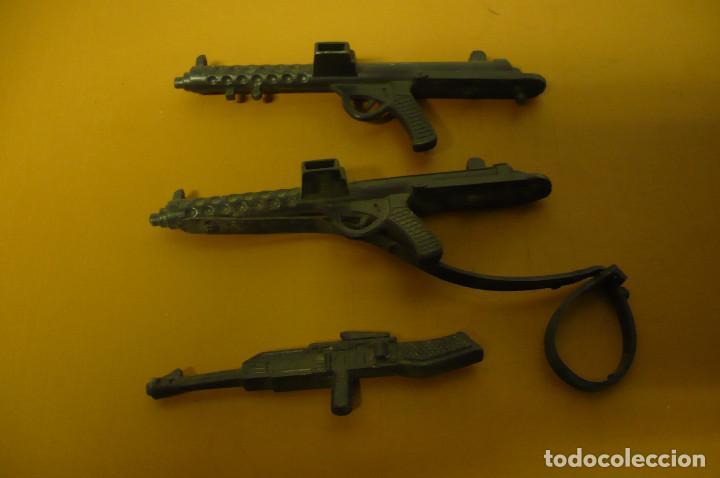 TRES ARMAS 9 CM LARGO (Juguetes - Figuras de Goma y Pvc - Otras)