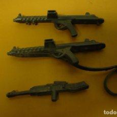 Figuras de Goma y PVC: TRES ARMAS 9 CM LARGO. Lote 252199830