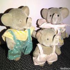 Figuras de Goma y PVC: FAMILIA ELEFANTES SYLVANIAN FAMILY. MUÑECOS AÑOS 80S TERCIOPELO SYLVANIAN O SIMILAR. Lote 252226155