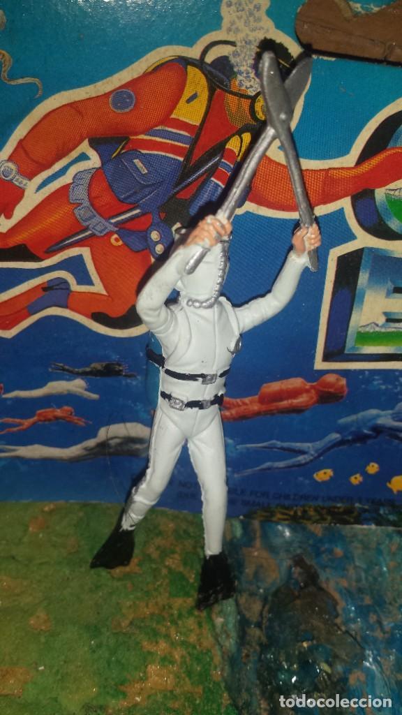 Figuras de Goma y PVC: Submarinista - Foto 4 - 252346760