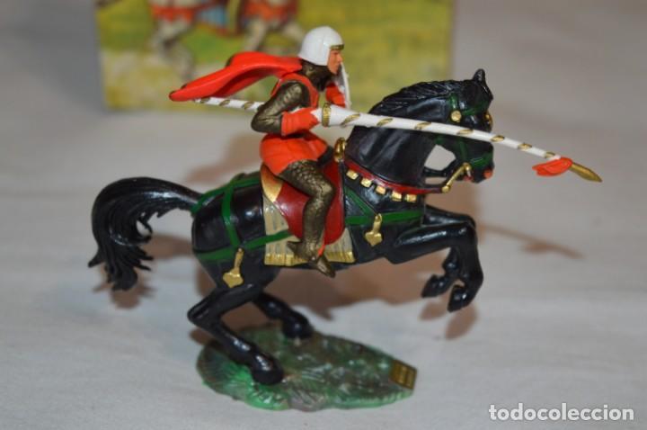 Figuras de Goma y PVC: CHEVAL NOIR - STARLUX ANCIEN - Ref 6101 Lance et cape sur cheval cabré / Buen estado ¡Difícil, mira! - Foto 5 - 252463155