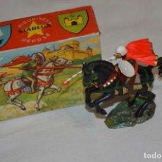 Figuras de Goma y PVC: CHEVAL NOIR - STARLUX ANCIEN - REF 6101 LANCE ET CAPE SUR CHEVAL CABRÉ / BUEN ESTADO ¡DIFÍCIL, MIRA!. Lote 252463155