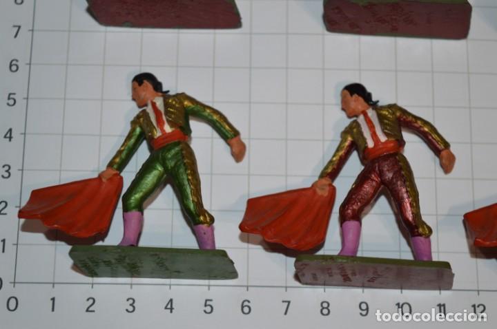 Figuras de Goma y PVC: STARLUX Antiguo - Lote de 8 toreros - Años 60 / Muy buen estado ¡Mira fotos y detalles! - Foto 4 - 252467965
