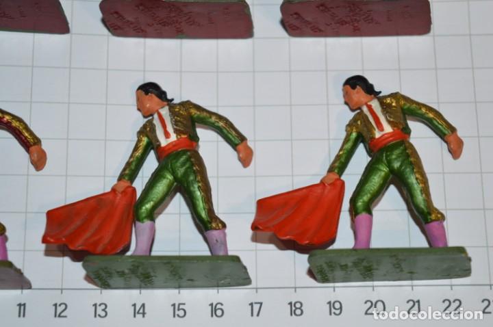 Figuras de Goma y PVC: STARLUX Antiguo - Lote de 8 toreros - Años 60 / Muy buen estado ¡Mira fotos y detalles! - Foto 5 - 252467965