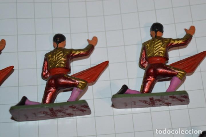 Figuras de Goma y PVC: STARLUX Antiguo - Lote de 8 toreros - Años 60 / Muy buen estado ¡Mira fotos y detalles! - Foto 7 - 252467965