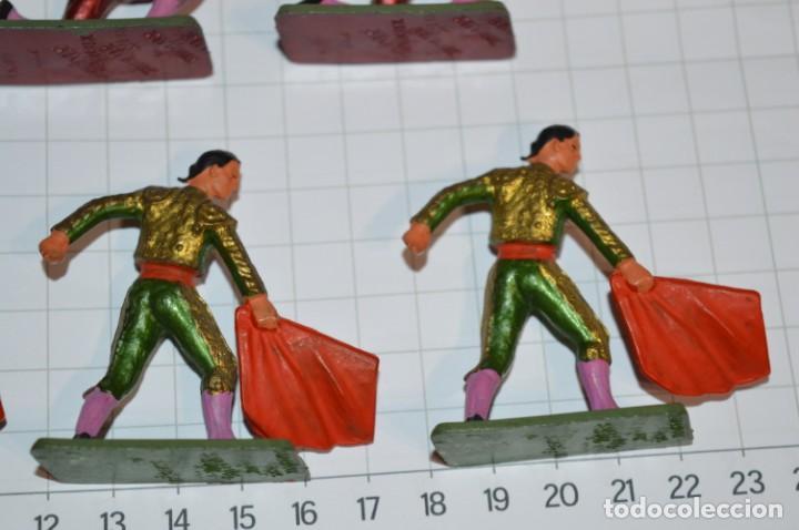 Figuras de Goma y PVC: STARLUX Antiguo - Lote de 8 toreros - Años 60 / Muy buen estado ¡Mira fotos y detalles! - Foto 9 - 252467965