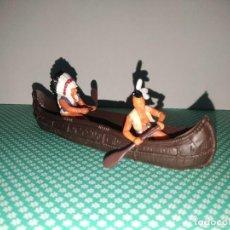 Figuras de Goma y PVC: CANOA INDIOS BRITAINS. Lote 253172025