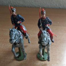 Figuras de Goma y PVC: REAMSA GUARDIA REAL A CABALLO CON PEANA. Lote 253320790