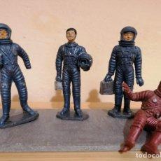 Figuras de Goma y PVC: 4 ASTRONAUTAS JECSAN SERIE APOLO AÑOS 60. Lote 253339980