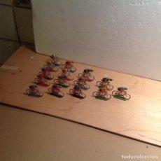 Figuras de Borracha e PVC: PELOTÓN DE 15 CICLISTAS. Lote 253341920