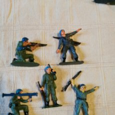 Figuras de Goma y PVC: LOTE SOLDADOS JECSAN CASCOS AZULES PINTADOS. Lote 253706675