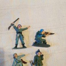 Figuras de Goma y PVC: LOTE SOLDADOS JECSAN CASCOS AZULES PINTADOS. Lote 253709575
