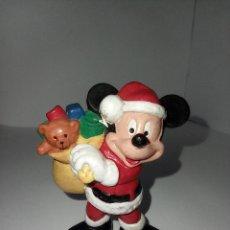 Figuras de Goma y PVC: MICKEY MOUSE VESTIDO DE PAPA NOEL CON SACO DE REGALOS - FIGURA PVC BULLYLAND. Lote 254013685