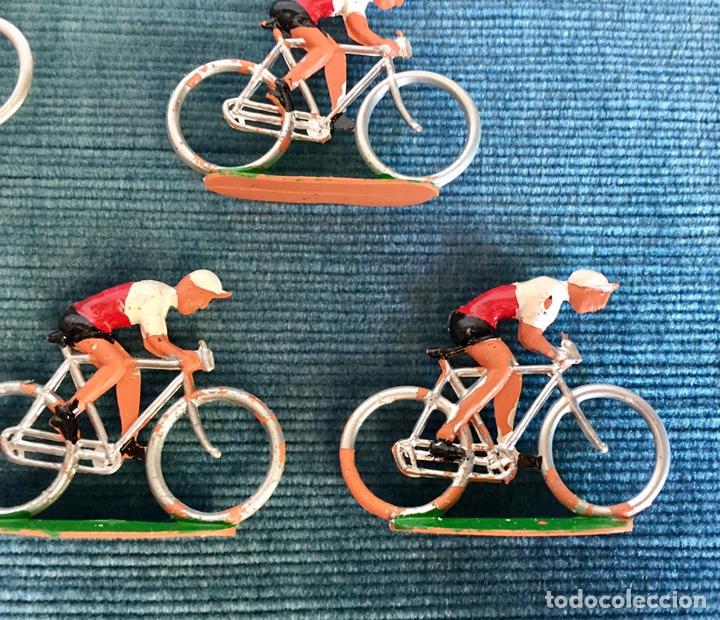 Figuras de Goma y PVC: Lote de cinco ciclistas M.Sotorres. - Foto 3 - 254201260