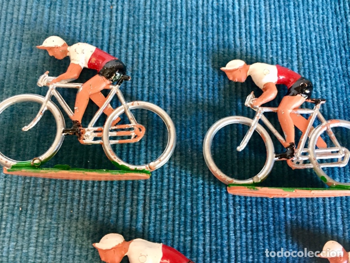 Figuras de Goma y PVC: Lote de cinco ciclistas M. Sotorres. - Foto 2 - 254201665