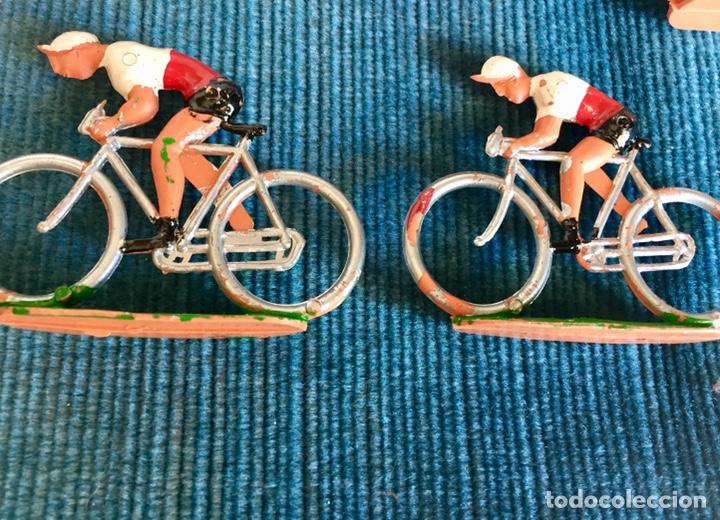 Figuras de Goma y PVC: Lote de cinco ciclistas M. Sotorres. - Foto 3 - 254201665