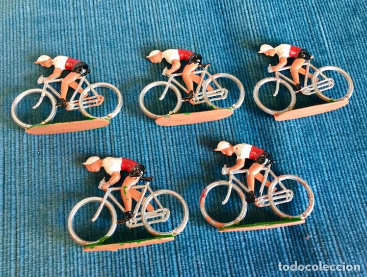 Figuras de Goma y PVC: Lote de cinco ciclistas M. Sotorres. - Foto 4 - 254201665