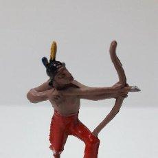Figuras de Goma y PVC: GUERRERO INDIO CON ARCO . REALIZADO POR JECSAN . SERIE PEQUEÑA . AÑOS 50 EN GOMA. Lote 254254325