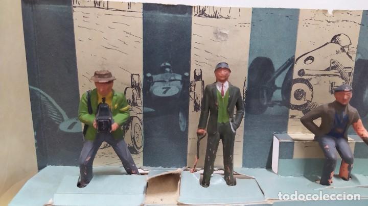 Figuras de Goma y PVC: Rareza. Personajes Publico de carreras con cartón original - Foto 2 - 254360170