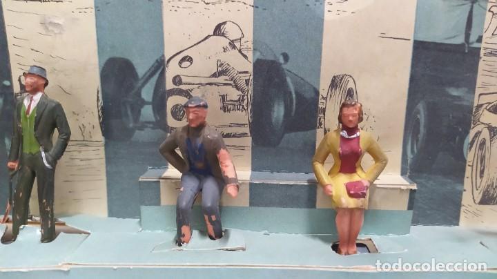 Figuras de Goma y PVC: Rareza. Personajes Publico de carreras con cartón original - Foto 3 - 254360170