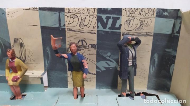 Figuras de Goma y PVC: Rareza. Personajes Publico de carreras con cartón original - Foto 4 - 254360170