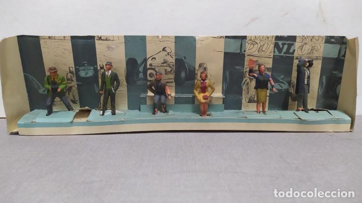 Figuras de Goma y PVC: Rareza. Personajes Publico de carreras con cartón original - Foto 5 - 254360170