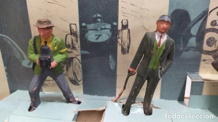 Figuras de Goma y PVC: Rareza. Personajes Publico de carreras con cartón original - Foto 9 - 254360170