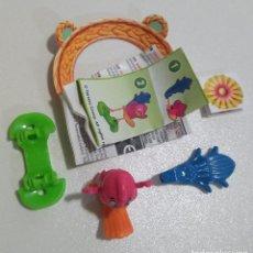 Figuras Kinder: KINDER PASCUA 2021 MUÑECO ANIMAL BOSQUE COMPLETO BPZ PAPEL FIGURITA VV ANIMALITO PAJARO LORO 390. Lote 254363710