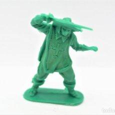 Figuras de Goma y PVC: ANTIGUA FIGURA EN PLÁSTICO. SERIE MOSQUETEROS. AÑOS 70.. Lote 254400460
