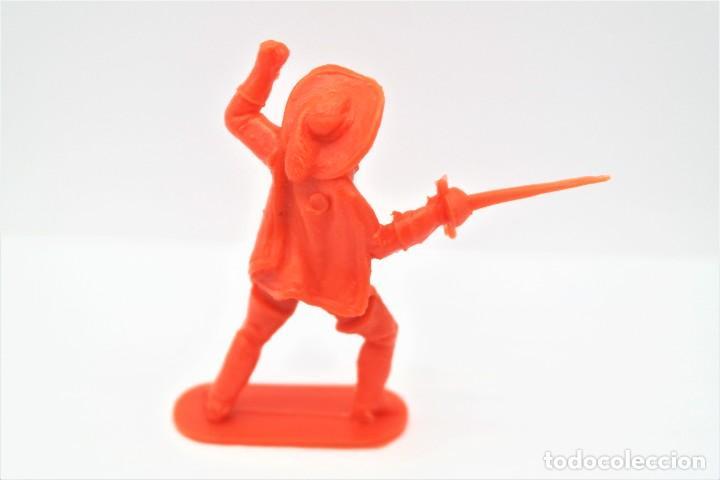 Figuras de Goma y PVC: Antigua Figura en Plástico. Serie Mosqueteros. Años 70. - Foto 2 - 254400605