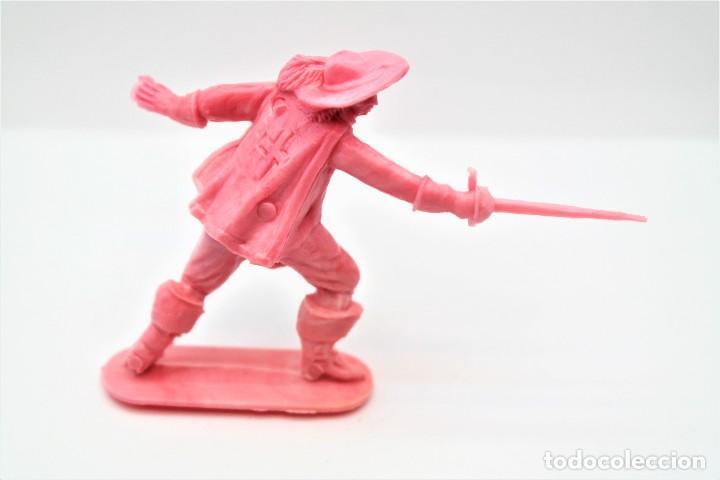 Figuras de Goma y PVC: Antigua Figura en Plástico. Serie Mosqueteros. Años 70. - Foto 2 - 254401120