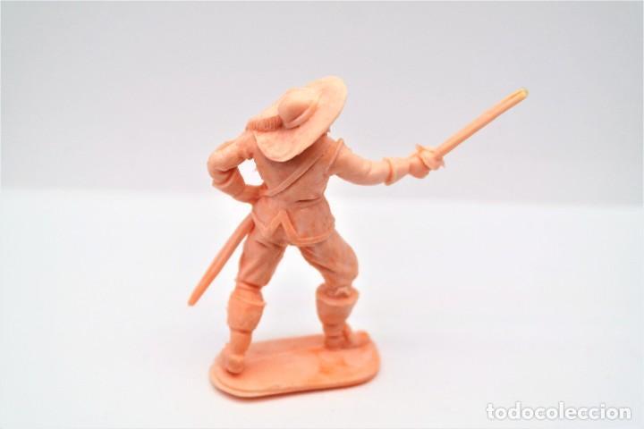 Figuras de Goma y PVC: Antigua Figura en Plástico. Serie Mosqueteros. Años 70. - Foto 2 - 254401205