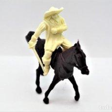 Figuras de Goma y PVC: ANTIGUA FIGURA EN PLÁSTICO. SERIE MOSQUETEROS. AÑOS 70.. Lote 254401530