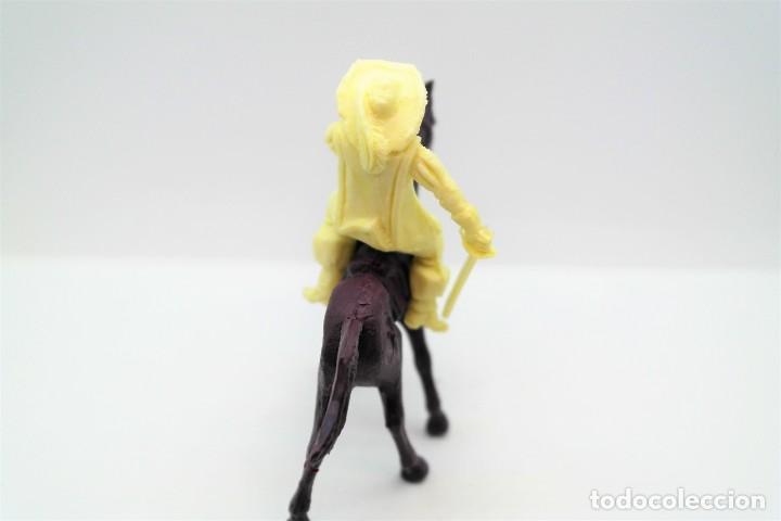 Figuras de Goma y PVC: Antigua Figura en Plástico. Serie Mosqueteros. Años 70. - Foto 2 - 254401530