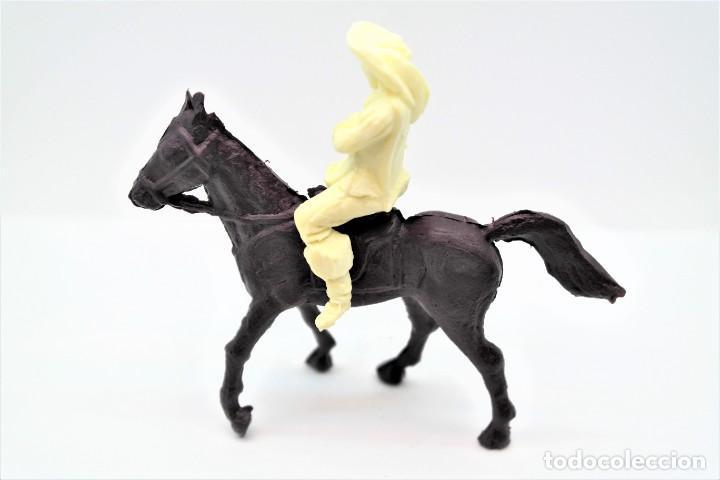Figuras de Goma y PVC: Antigua Figura en Plástico. Serie Mosqueteros. Años 70. - Foto 3 - 254401530