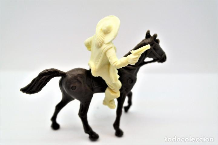 Figuras de Goma y PVC: Antigua Figura en Plástico. Serie Mosqueteros. Años 70. - Foto 2 - 254401680