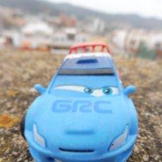 Figuras de Goma y PVC: BULLYLAND FIGURA GOMA PVC DISNEY PIXAR CARS COCHE RAOUL ÇAROULE CON ETIQUETA. Lote 254424465