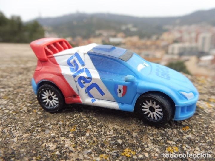 Figuras de Goma y PVC: Bullyland figura goma pvc Disney Pixar Cars coche Raoul Çaroule con etiqueta - Foto 6 - 254424465