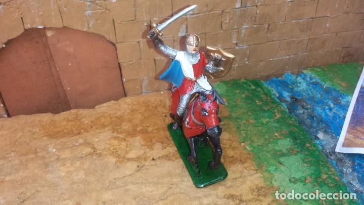 GUERRERO MEDIAVAL CON CABALLO DE GOMA DE JECSAN (Juguetes - Figuras de Goma y Pvc - Jecsan)