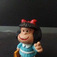 Figuras de Borracha e PVC: FIGURA PVC O GOMA DURA MAFALDA CON MALETA COMICS SPAIN. Lote 254946970