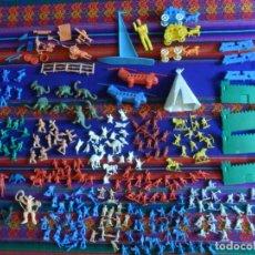 Figuras de Goma y PVC: 12 SOBRE VACÍO Y CIENTAS DE SUS FIGURAS TEMÁTICAS VARIADAS MONTAPLEX Y UNO DE HOBBY-PLAST. AÑOS 70.. Lote 180075952