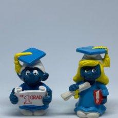 Figuras de Goma y PVC: PITUFINA Y PITUFO GRADUADO - GRADUACION - PEYO - SCHLEICH. Lote 257529850